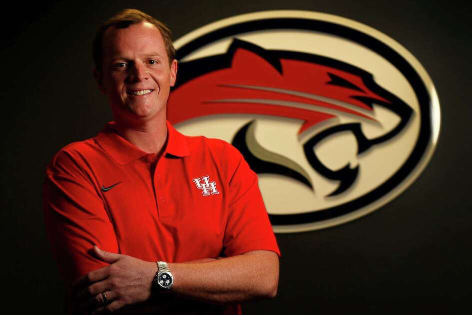 UH offensive coordinator Major Applewhite photographed on Tuesday, Aug. 4, 2015, in Houston. ( Karen Warren / Houston Chronicle )