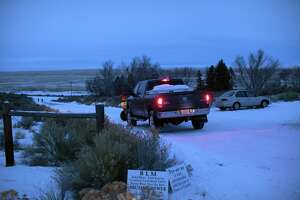 FBI: No rigged explosives found at site of Oregon standoff - Photo