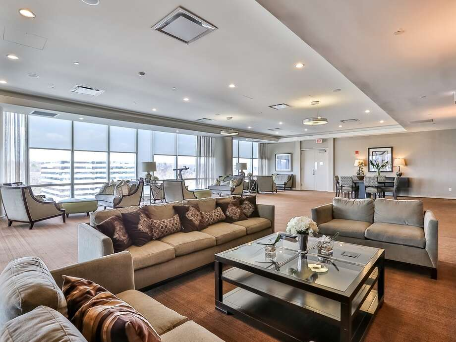 Unit 33C - $1,250,0003 bedrooms, 3.5 baths33rd floorView of Mill River ParkView full listing on Zillow Photo: Zillow