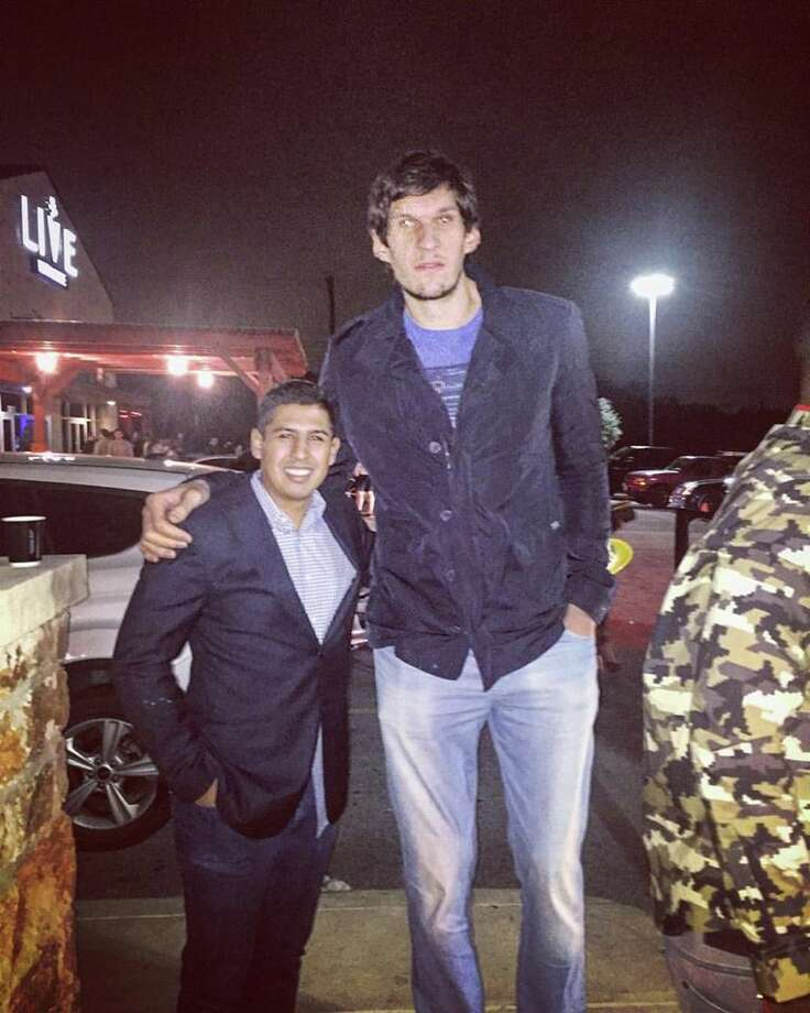 San Antonians who headed to the North Side for their New Year's Eve celebrations had the chance to tip off a fresh 12 months in the presence of Danny Green and Boban Marjanovic. Photo: Provided By Johan Omar Sanchez-Cuevas