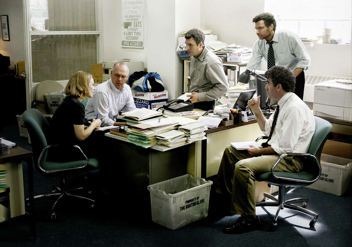 The National Society of Film Critics awarded Sportlight best picture. Scene from the film SPOTLIGHT. From left: Rachel McAdams, Michael Keaton, Mark Ruffalo, Liev Schreiber; in front, Brian d'Arcy James