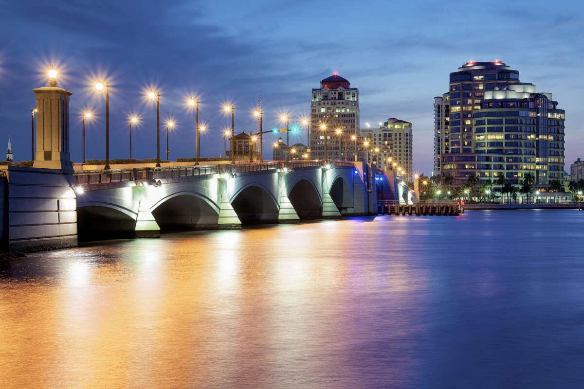 19. West Palm Beach, Florida MSAD:West Palm Beach-Boca Raton-Boynton Beach, FL 2014 Population growth rate:1.49% 2015 (Projected) pop. growth rate:2.1% Job growth rate:2.62% Unemployment:5.5% 2014 Gross Metro Product Growth:1.63% Median pay:$58,800