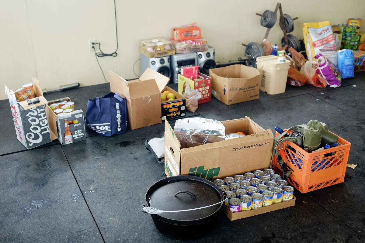Supplies laid in by members of an armed anti-government militia, are seen in a building at the Malheur National Wildlife Refuge Headquarters near Burns, Oregon January 4, 2016. The FBI on January 4 sought a peaceful end to the occupation by armed anti-government militia members at a US federal wildlife reserve in rural Oregon. The loose-knit band of farmers, ranchers and survivalists -- whose action was sparked by the jailing of two ranchers for arson -- said they would not rule out violence if authorities stormed the site, although federal officials said they hope to avoid bloodshed.