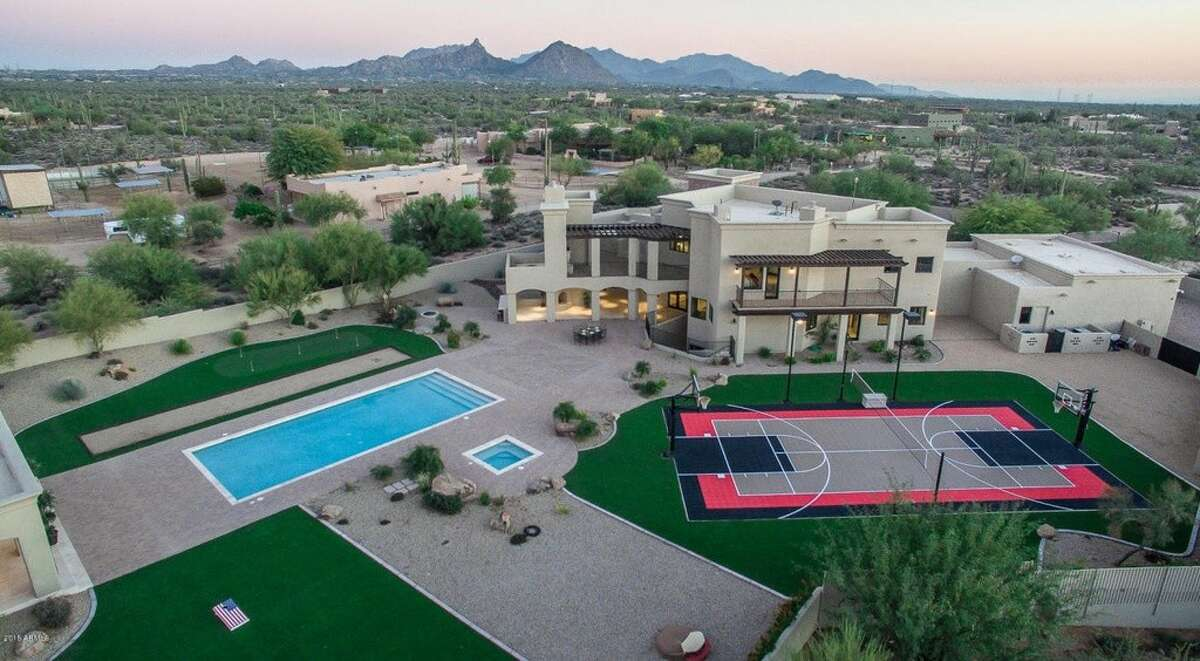Former Alaska governor Sarah Palin has put her 8,000-square-foot mansion in Scottsdale, Arizona, on the market for $2.5 million.