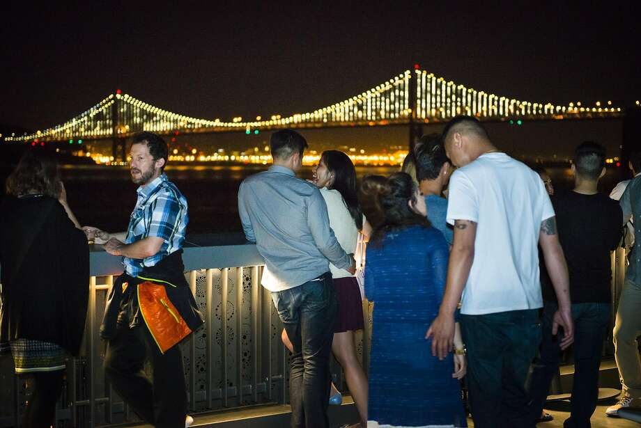 After Dark Thursday Nights are weekly events at the Exploratorium for adults. Photo:  Gayle Laird,  (c) Exploratorium