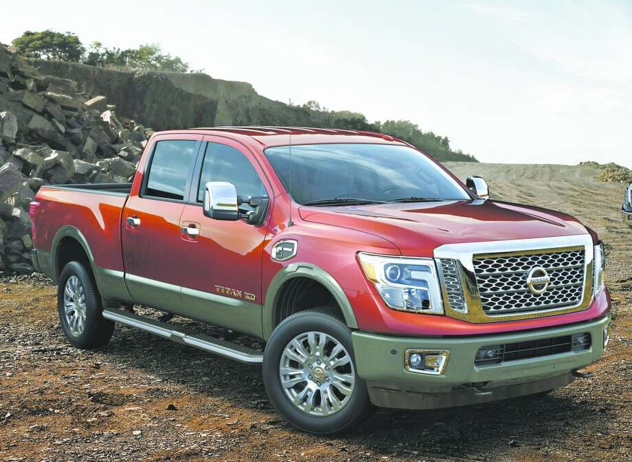 car and driver ranks this year 39 s top full size pickup trucks houston chronicle. Black Bedroom Furniture Sets. Home Design Ideas