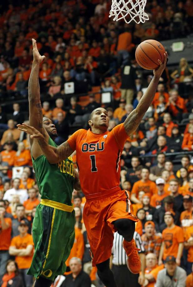 Gary Payton II (1), son of the Hall of Famer from Oakland, leads Oregon State in scoring at 16.4 points per game. Photo: Timothy J. Gonzalez, Associated Press
