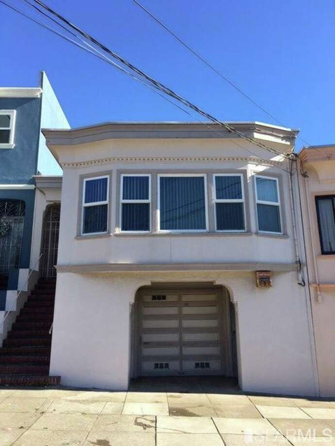 $999,999806 40th Ave.2 beds, 1 bathThis Marina-style has good bones and original details but needs some updates. Close to Golden Gate Park, the shops of Balboa Street and Ocean Beach. Photo: SFMLS