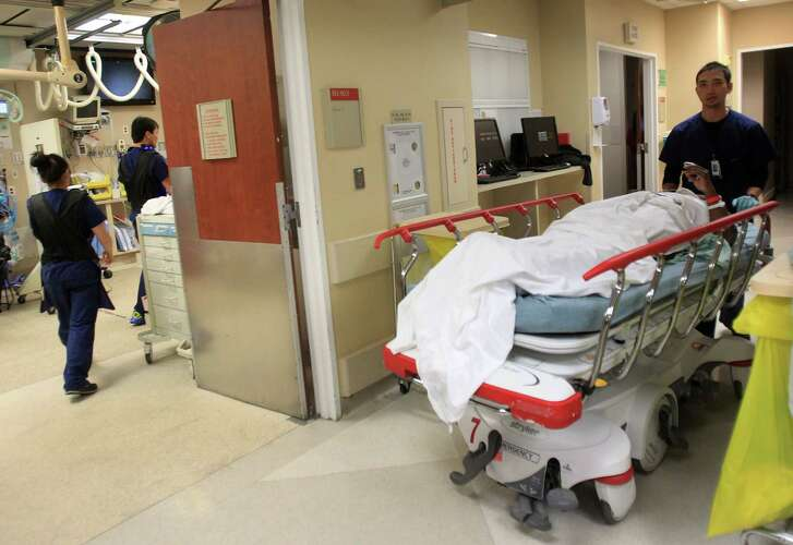A patient is moved in the Trauma Center at Memorial Hermann - Texas Medical Center. ( Mayra Beltran / Houston Chronicle file photo)