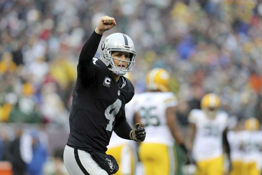 Raiders quarterback Derek Carr has more reason to celebrate now. Photo: By Vic Tafur, San Francisco Chronicle