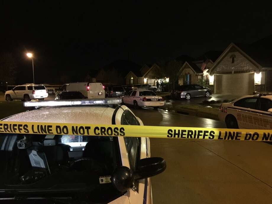 A man and a woman were found dead in the 3000 block of Meadowfield on Wednesday. Photo: Mike Glenn, Chronicle