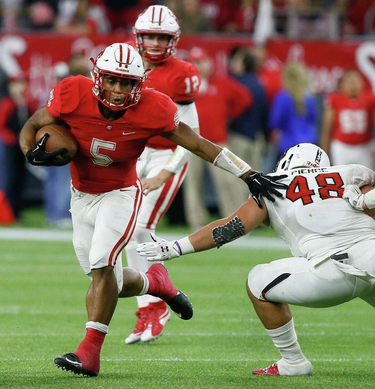 For months, it looked like Texas would be playing second fiddle to most of its in-state rivals on signing day, but Charlie Strong and his staff could pull off a major coup in the final hours, starting with Katy star running back Kyle Porter, who verbally committed to the Longhorns on Tuesday.