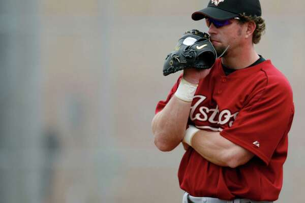 Jeff Bagwell watches workouts at the Houston Astros' Spring Training facilities, Friday, February 24, 2006, in Kissimmee, Florida, the first full squad workout for the Astros this spring.  (Karen Warren/Houston Chronicle)