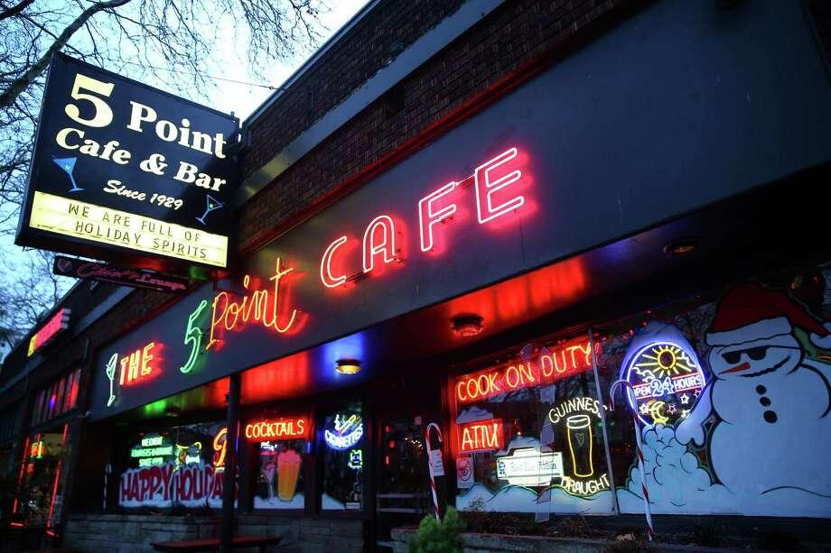 The 5 Point Cafe,Belltown Photo: GENNA MARTIN, SEATTLEPI.COM / SEATTLEPI.COM
