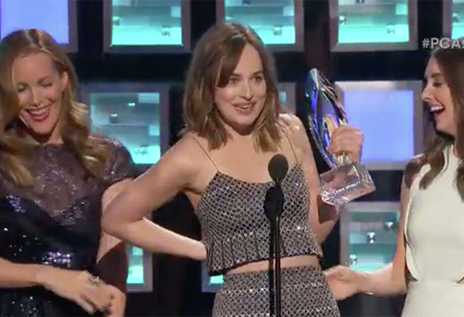 "It appeared Leslie Mann accidentally unzipped Dakota Johnson's dress at the 2016 People's Choice Awards. ""Well, it's not like nobody here hasn't already seen my boobs,"" Johnson joked. Keep clicking to take a look at other celebrity wardrobe malfunctions."