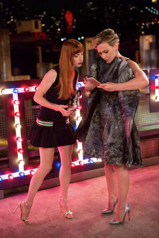 """""""""""Younger"""" (Ep. 203 - Airs January 20, 2016)"""" Lauren (Molly Bernard, left) tries to get Kelsey (Hilary Duff, right) not to panic on the night of her big launch party, even though she's in a terribly uncomfortable dress. """"Younger"""" season two airs Wednesdays at 10pm ET/PT on TV Land."""