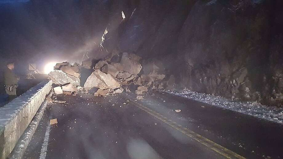 A rock slide in Yosemite National Park left Highway 140 strewn with car-sized boulders on Thursday, Jan. 7, 2016. Photo: Courtesy, National Park Service