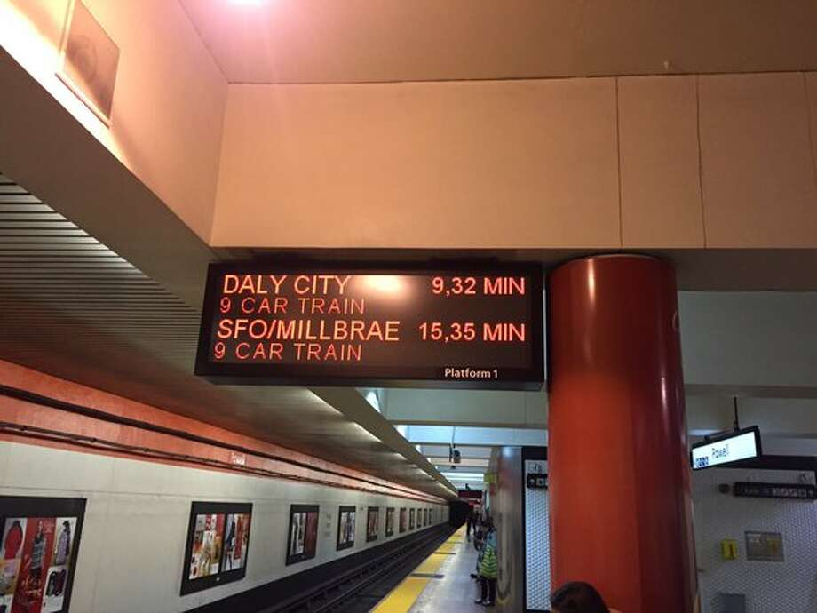 A new BART sign at the Powell St. station. Photo: Michael Cabanatuan, The Chronicle