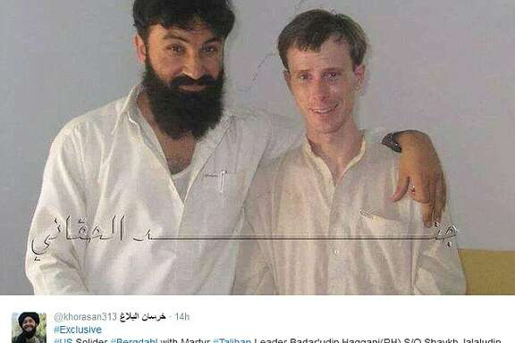 A Tweet, released in 2014, shows Bowe Bergdahl, during his captivity, posing with Badarudin Haqqani, son of the Haqqani network's founder.