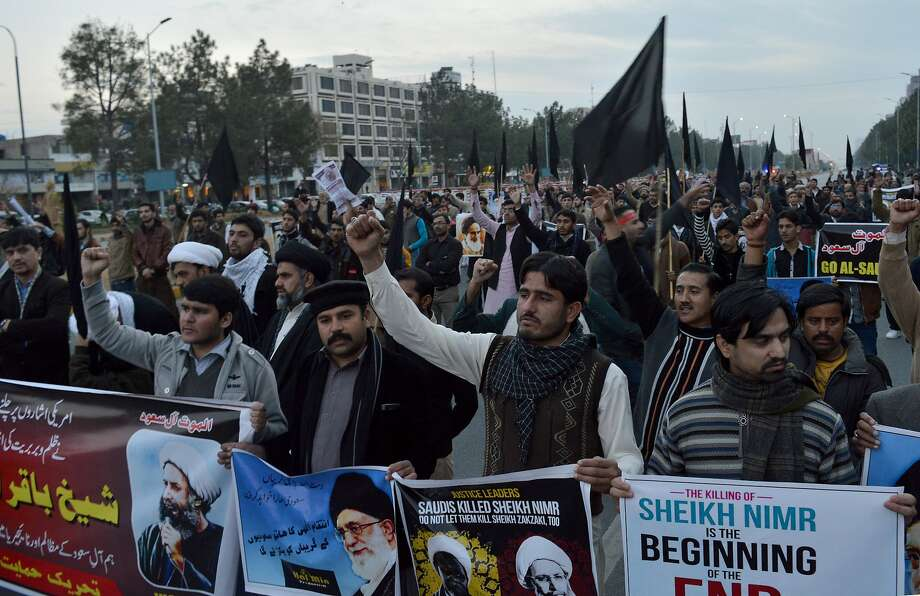 Shiite Muslims in Islamabad condemn the execution of Sheikh Nimr al-Nimr in Saudi Arabia. Al-Nimr was a critic of the Saudi government and demanded greater rights for Shiites. Photo: B.K. Bangash, Associated Press