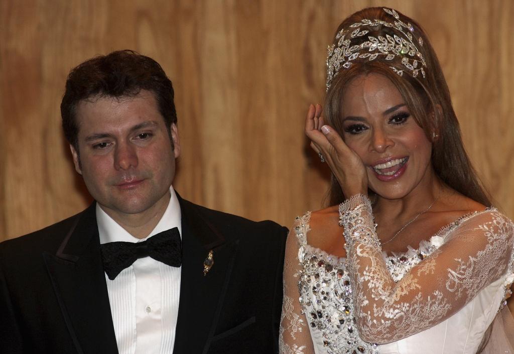 Texas Supreme Court Mexicos Madonna Gloria Trevi Can Sue Tv Station Over Sex Scandal Segment San Antonio Express News
