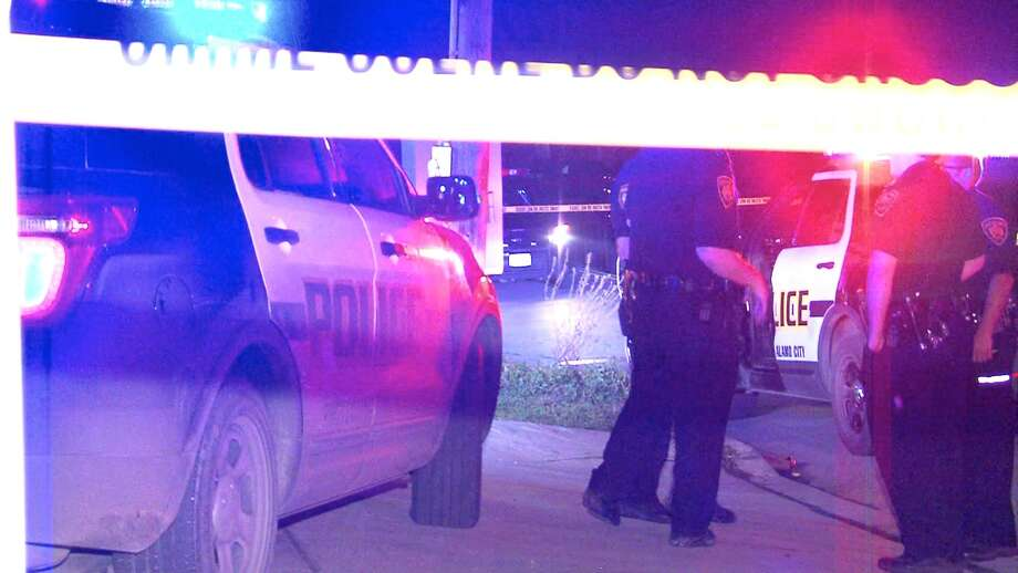 2 men shot following dispute at tattoo shop on the east for Tattoo new braunfels