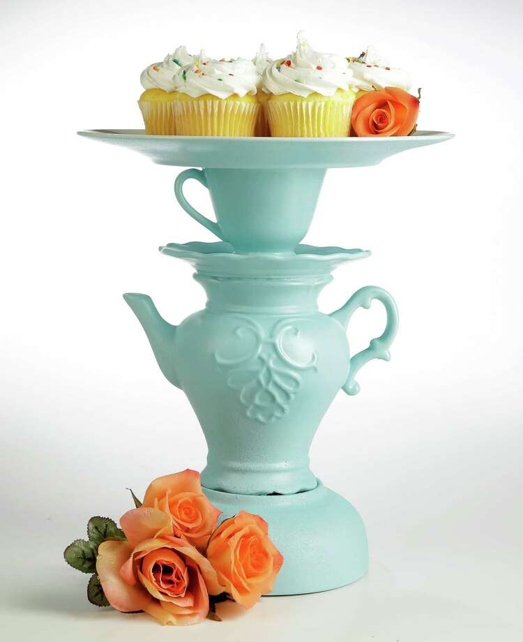 This DIY cake stand is easy to make. Photo: Melissa Phillip, Staff / © 2016 Houston Chronicle