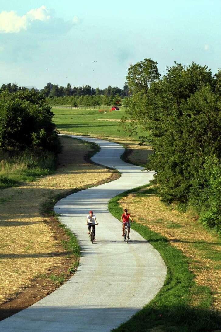 Lexingtoné•s Legacy Trail is a 12-mile walking and biking interpretive trail and public art venue that runs from downtown Lexington to the Kentucky Horse Park.