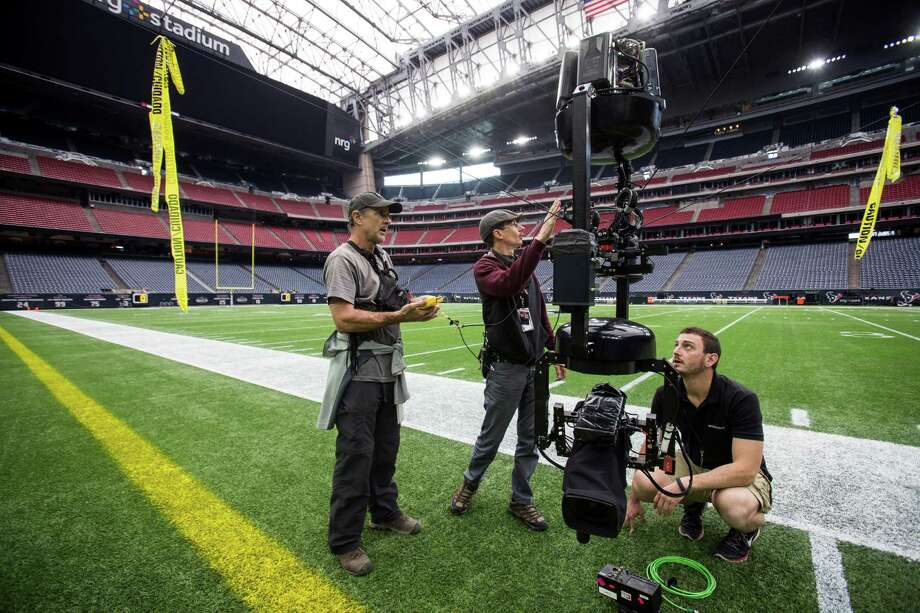 The Texans loss to the Chiefs drew 1.19 million viewers in Houston. The NFL dominated viewership last year, with Texans and Cowboys taking a big slice.  Photo: Brett Coomer, Staff / © 2016 Houston Chronicle