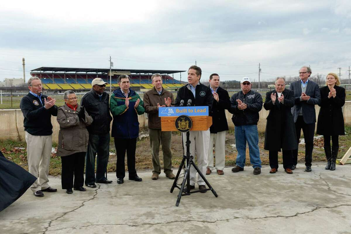 January 09, 2016- Syracuse- Governor Andrew Cuomo kicks off fundamental redesign of State Fairgrounds with implosion of the grandstand at the NYS Fairgrounds. (Darren McGee/Office of Gov. Andrew M. Cuomo)