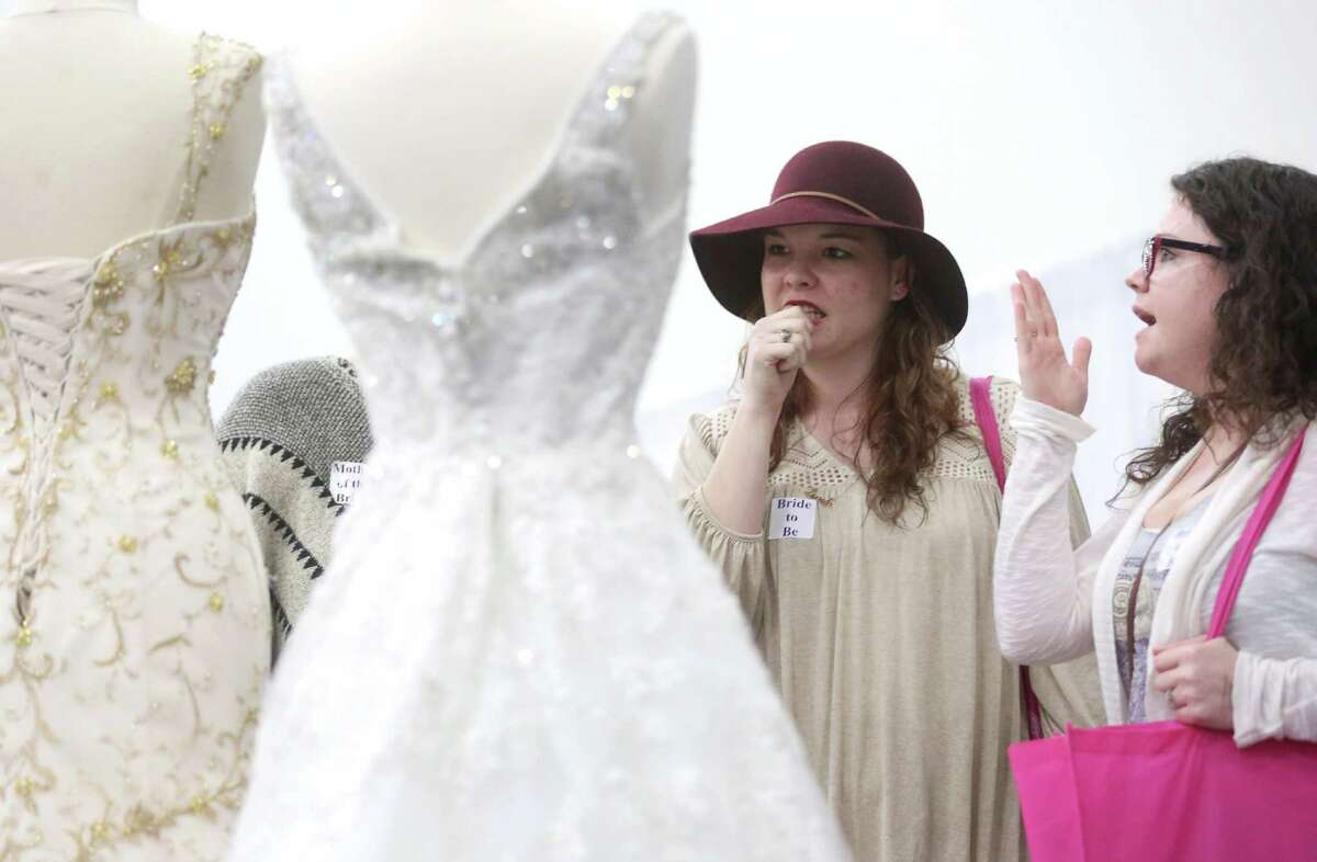 Wedding gown: In Houston, brides spend $1,813 on their dress. That's slightly higher than the national average of $1,564.