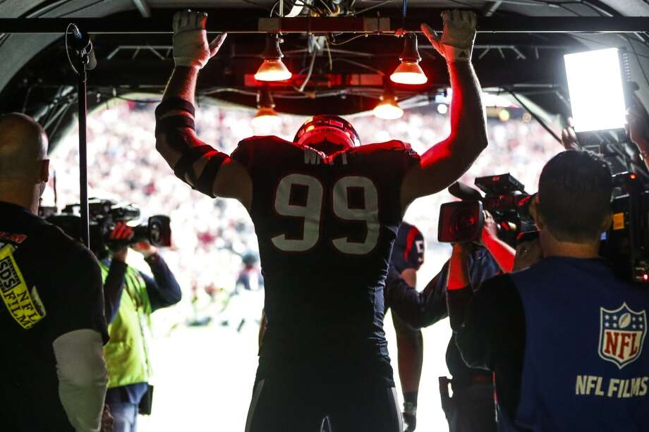 Houston Texans defensive end J.J. Watt (99) stands in the tunnel before taking the field for AFC Wildcard playoff game at NRG Stadium on Saturday, Jan. 9, 2016, in Houston.  ( Karen Warren / Houston Chronicle ) Photo: Karen Warren, Houston Chronicle