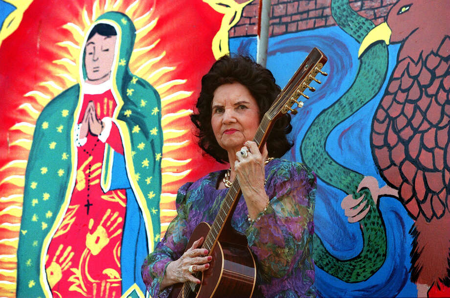 The legendary singer Lydia Mendoza. Photo: San Antonio Express-News File Photo / SAN ANTONIO EXPRESS-NEWS