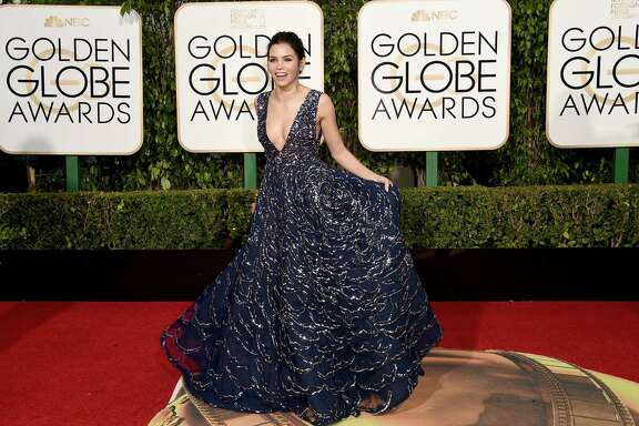 BEVERLY HILLS, CA - JANUARY 10:  Actress Jenna Dewan Tatum attends the 73rd Annual Golden Globe Awards held at the Beverly Hilton Hotel on January 10, 2016 in Beverly Hills, California.