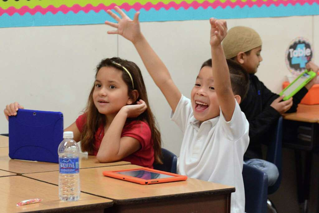 Technology In Elementary Classrooms : Technology helps keep kids focused in classroom houston chronicle