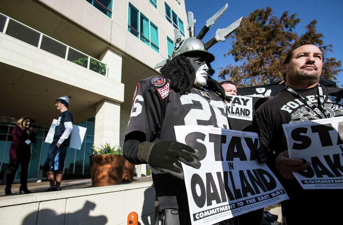 Oakland Raiders fans Ray