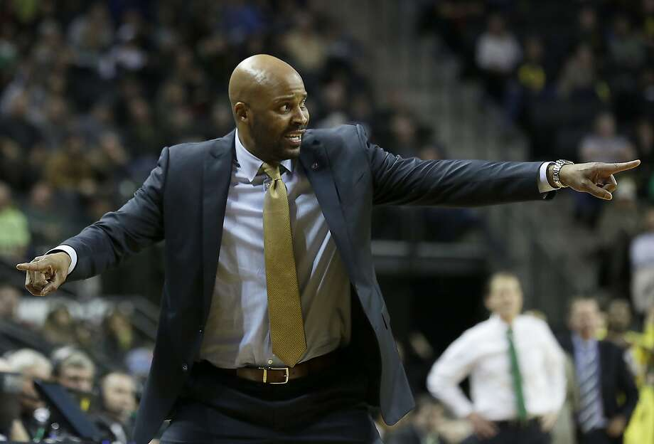 California head coach Cuonzo Martin talks to his team during the second half of an NCAA college basketball game Wednesday, Jan. 6, 2016, in Eugene, Ore. (AP Photo/Ryan Kang) Photo: Ryan Kang, Associated Press