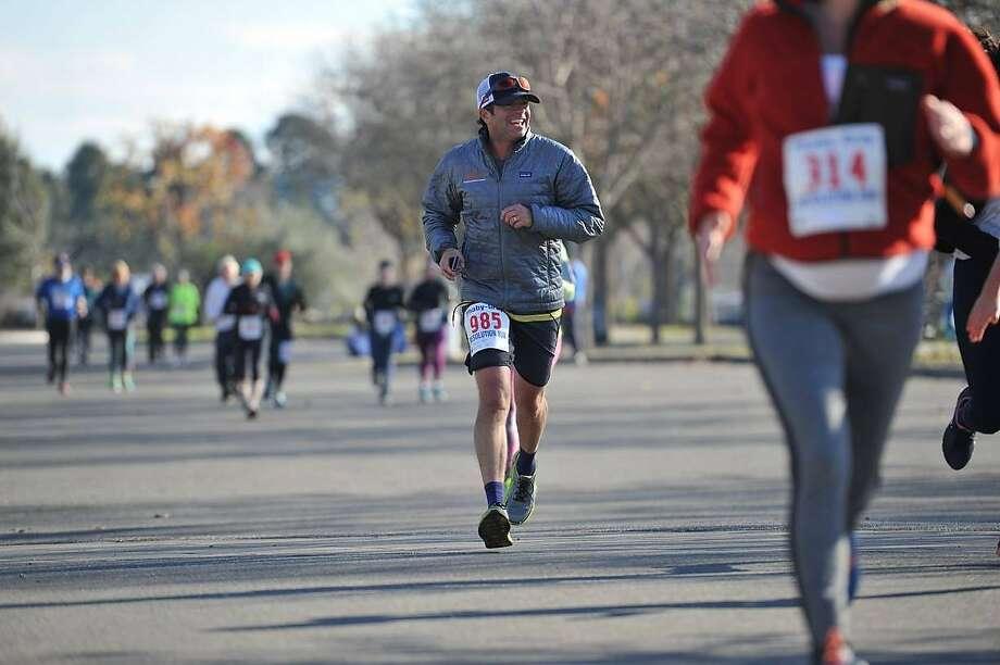 Healdsburg Running Co. hosts regular runs throughout town. Photo: Healdsburg Running Co.