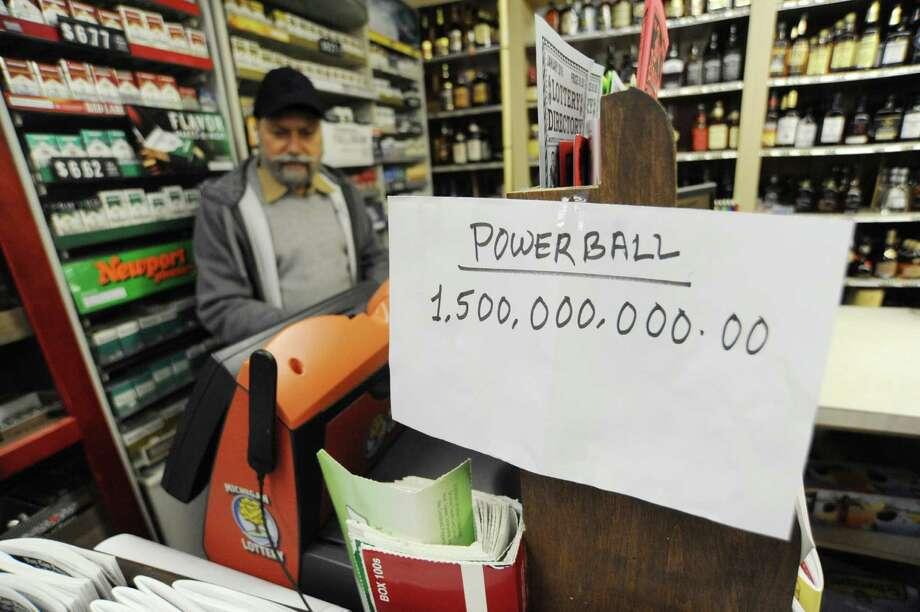 Powerball jackpot remains at $1.5 billion