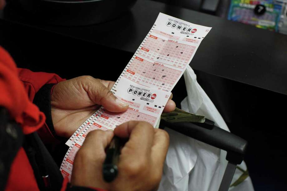 A suspect in Georgia left his good luck behind when he abandoned a winning lottery ticket while fleeing sheriff's deputies. AFP PHOTO / KENA BETANCURKENA BETANCUR/AFP/Getty Images Photo: KENA BETANCUR, Stringer / AFP / Getty Images / AFP
