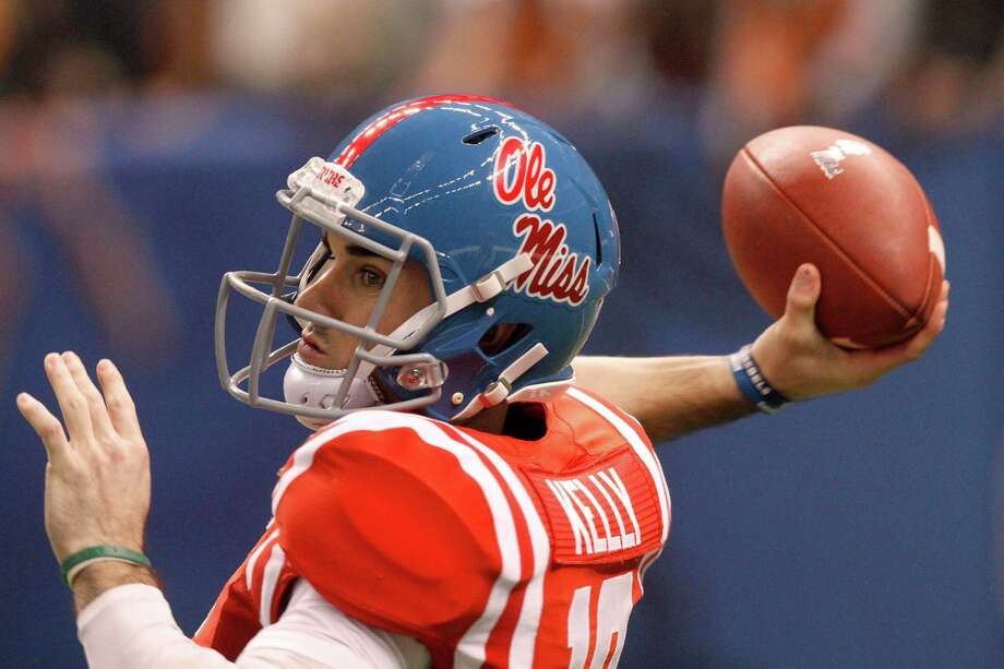 Ole Miss quarterback Chad Kelly looks downfield for a receiver against Oklahoma State in the first half of the Sugar Bowl at the Mercedes-Benz Superdome in New Orleans on Friday, Jan. 1, 2016. (Tim Isbell/Biloxi Sun Herald/TNS) Photo: TIM ISBELL, McClatchy-Tribune News Service / Biloxi Sun Herald
