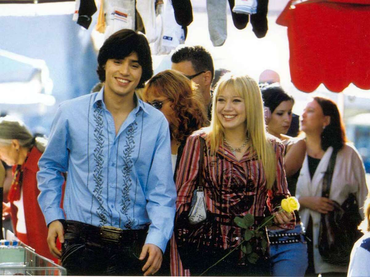 The Lizzie McGuuire Movie (2003) Leaving Netflix Aug. 1 Lizzie McGuire has graduated from middle school and takes a trip to Rome, Italy with her class. And what was supposed to be only a normal trip, becomes a teenager's dream come true.