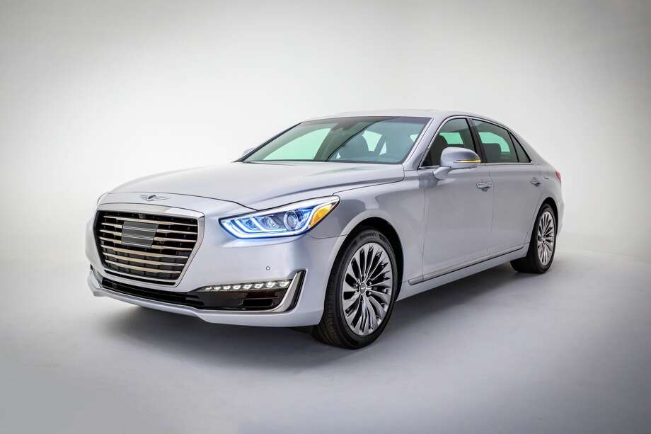 The 2017 Hyundai Genesis G90 Photo: Hyundai