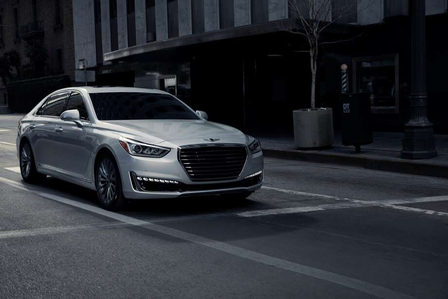 The 2017 Hyundai Genesis G90 Photo: Hyundai