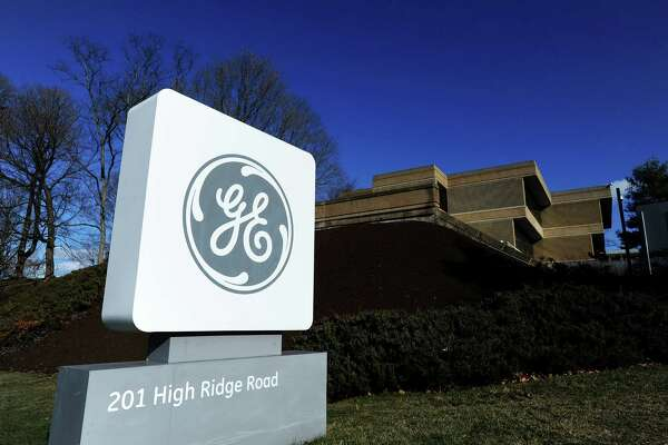 General Electric, one of ConnecticutâÄôs largest employers, is leaving Connecticut after 42 years for Boston.