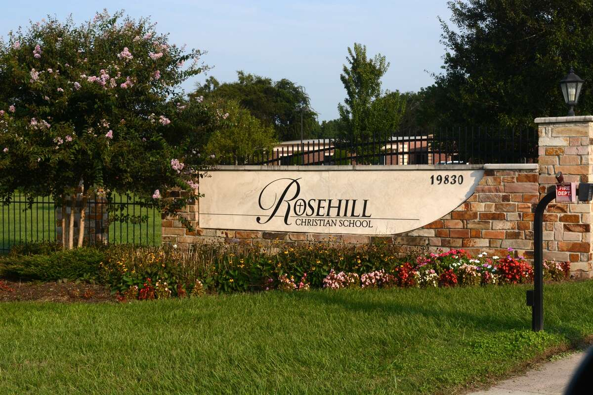 24.Rosehill Christian School Yearly tuition:$14,175 Number of students:487 Student-teacher ratio:7 to 1