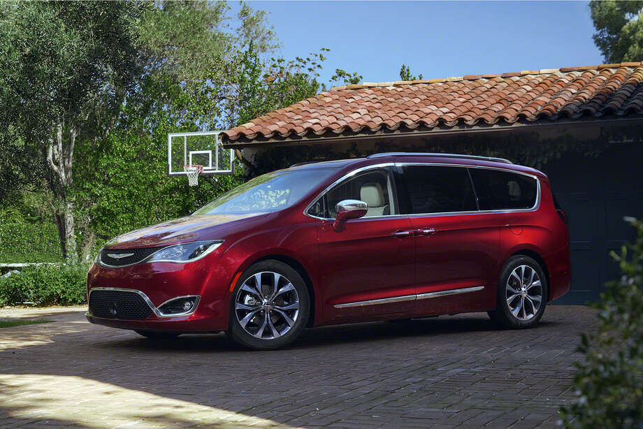 Chrysler S Next Generation Minivan Arrives This Spring The Pacifica Is Roomier Wider And