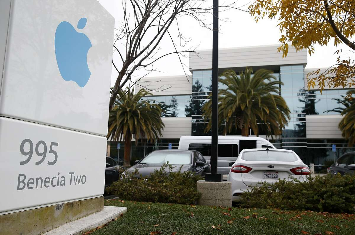 Apple business offices are seen in Sunnyvale on Thursday, Jan. 14, 2016.