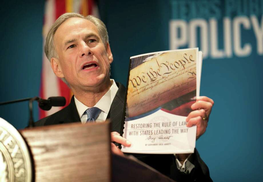 Gov. Greg Abbott calls for a convention of states to amend the Constitution during a speech at the Texas Public Policy Foundation in Austin on Jan. 8. Photo: Jay Janner, MBO / Austin American-Statesman