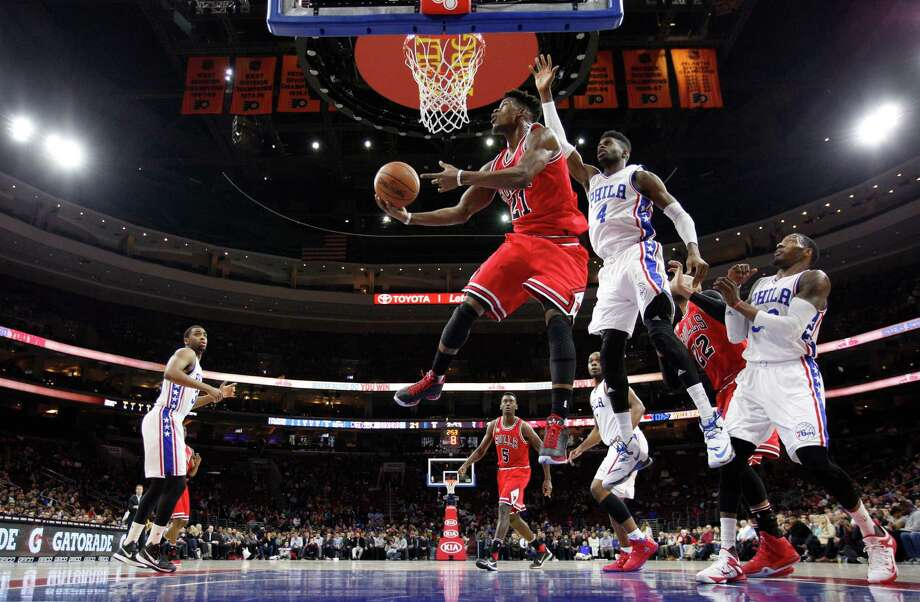 Chicago Bulls' Jimmy Butler shoots after getting past Philadelphia 76ers' Nerlens Noel (4) during the first half of an NBA basketball game Thursday, Jan. 14, 2016, in Philadelphia. The Bulls won 115-111 in overtime. (AP Photo/Chris Szagola) ORG XMIT: PACS106 Photo: Chris Szagola / FR170982 AP